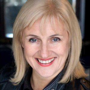 Julie Parton's headshot